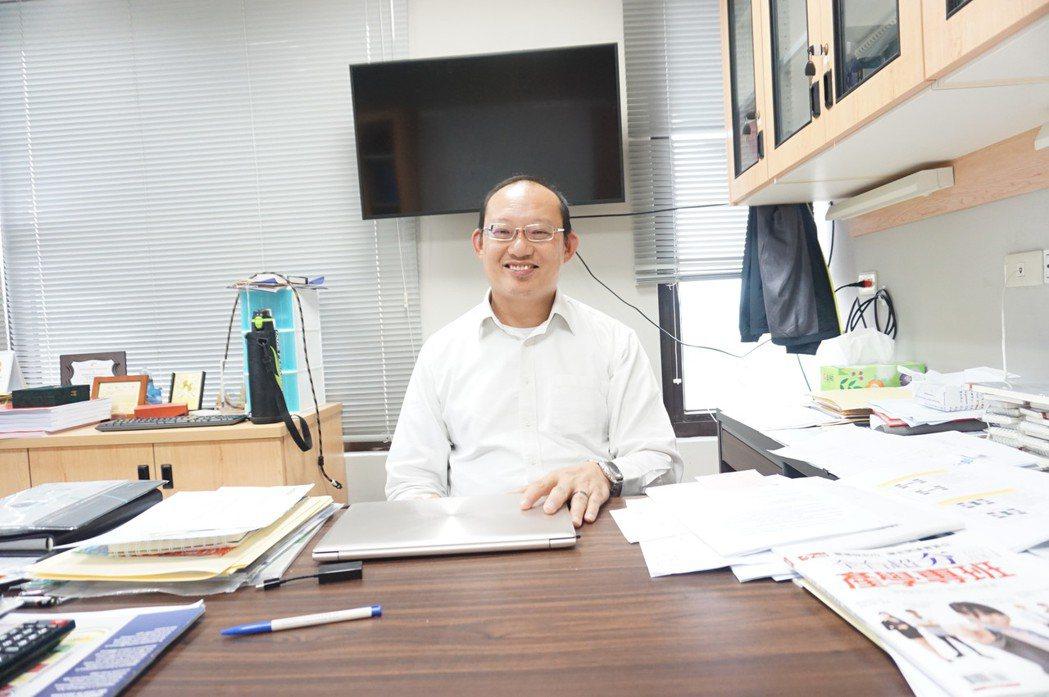 可靠度科學技術研究中心主任陳始明教授,資歷與技術經驗非常豐碩。 楊連基/攝影