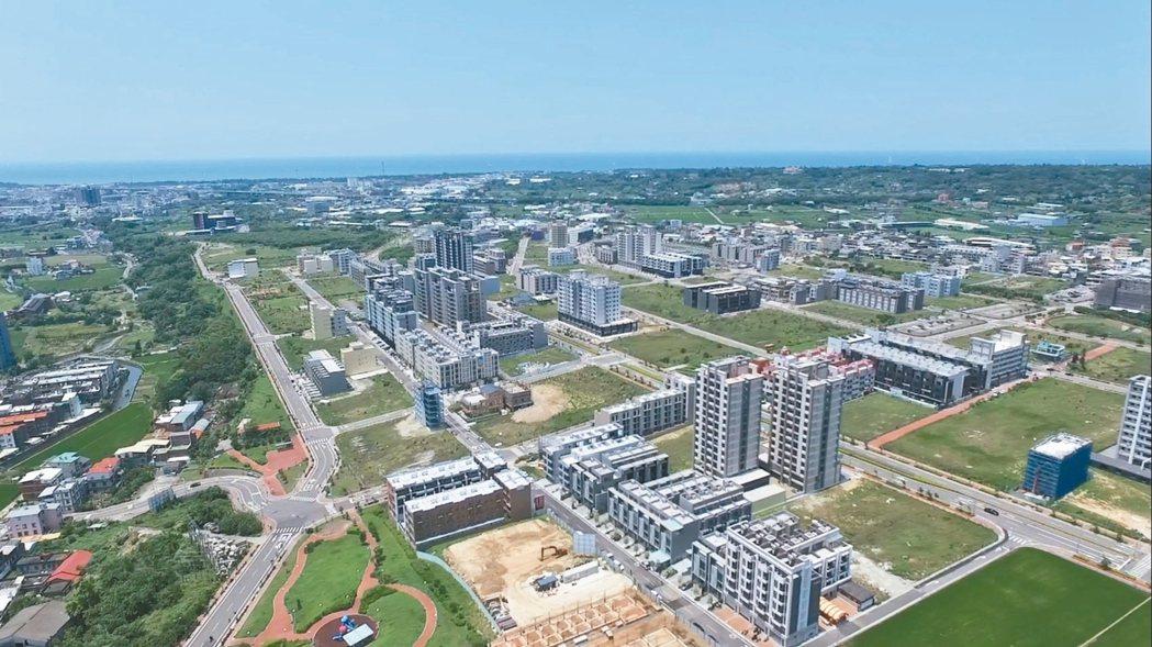 大埔重劃區隨建案完工,建商近來重啟銷售,業者說,當地房價已回到起漲點,竹科自住客...