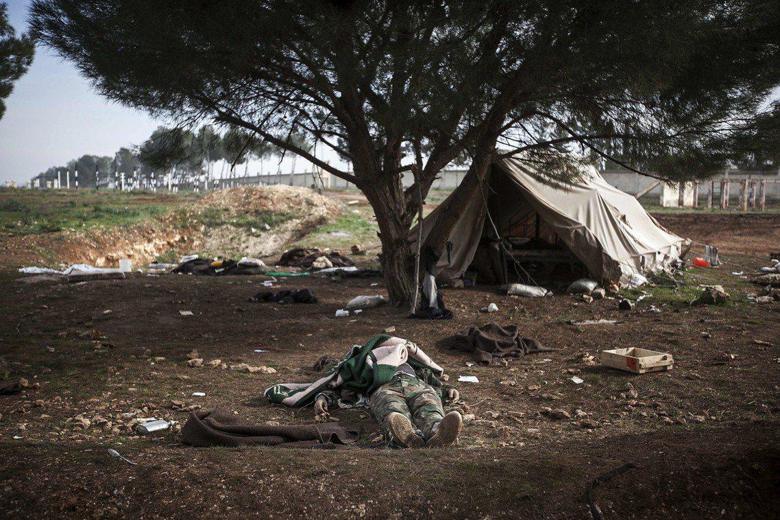 資料圖片:根據聯合國的敘利亞調查報告,在長達6年的內戰中,敘利亞政府部隊與反抗軍...