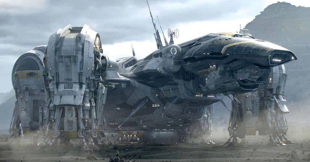 每一集「異形」電影皆會出現新奇華麗的太空船。圖/福斯提供