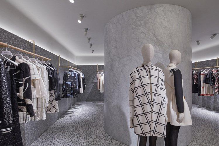 Valentino香港利園全新旗艦店裝潢設計沿用品牌創作總監Pierpaolo ...