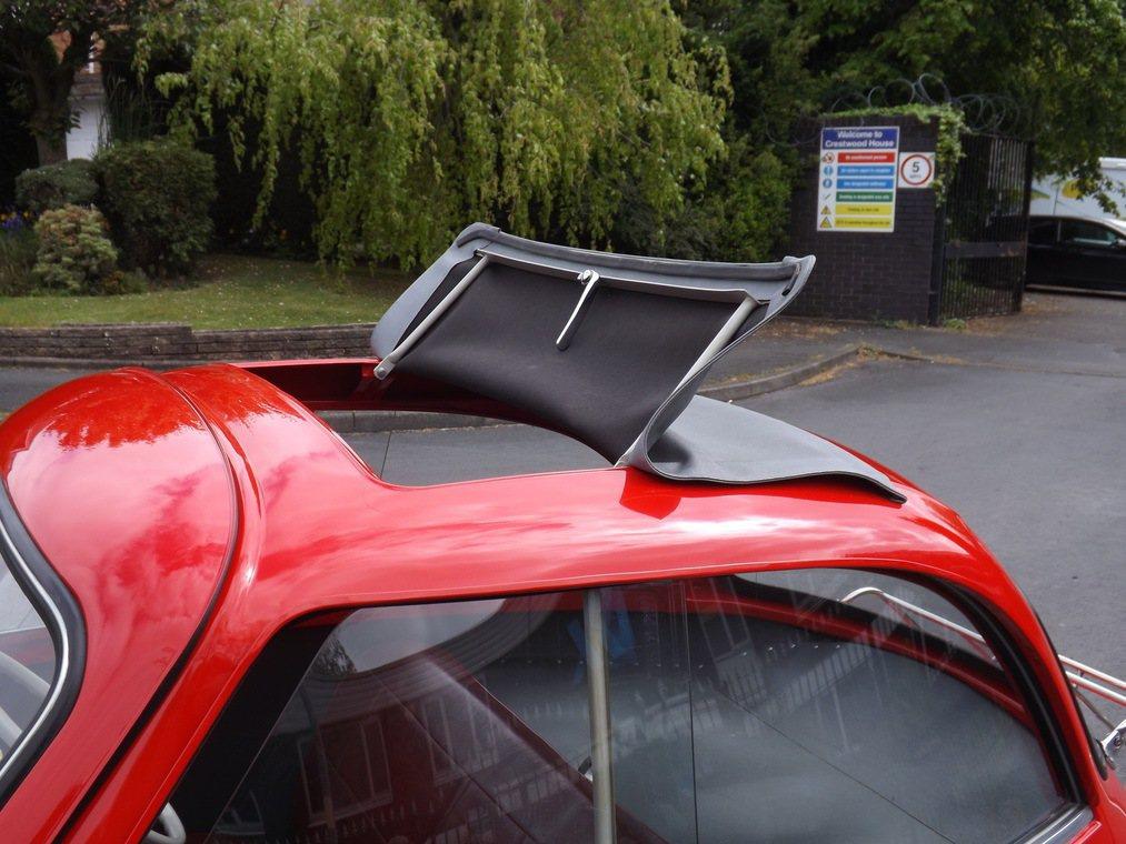 「泡泡車」Isetta。圖/摘自carscoops.com