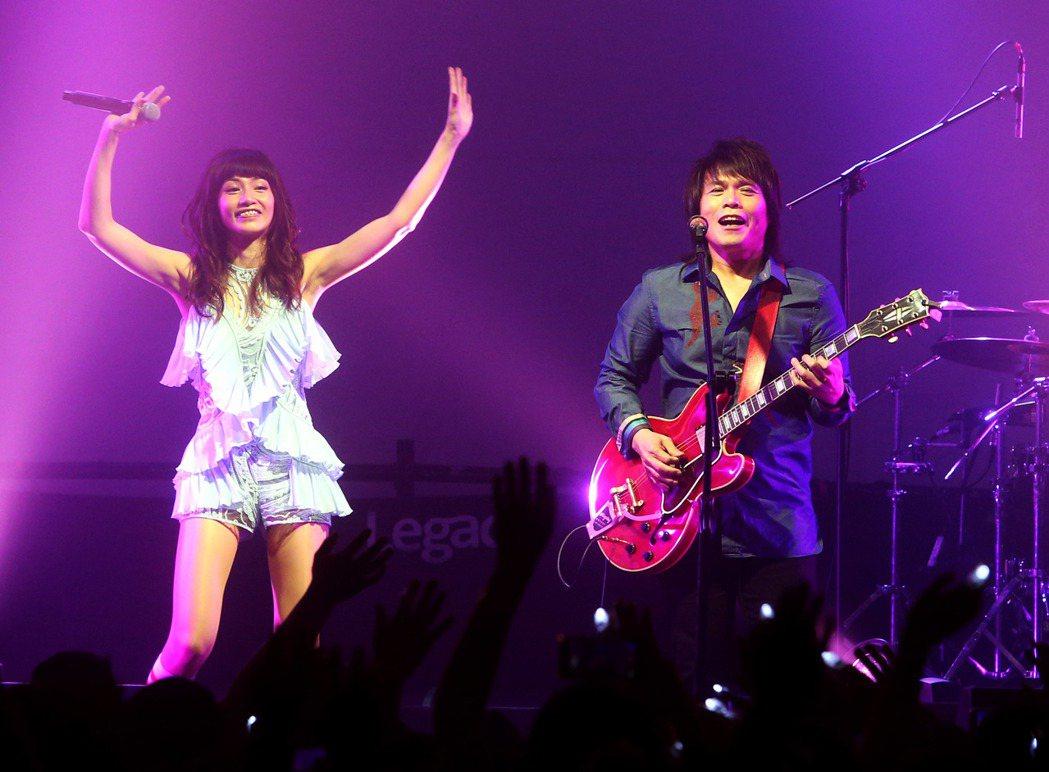 李千娜 「Voice Up Concert讚聲」演唱會在華山legacy舉行,重...