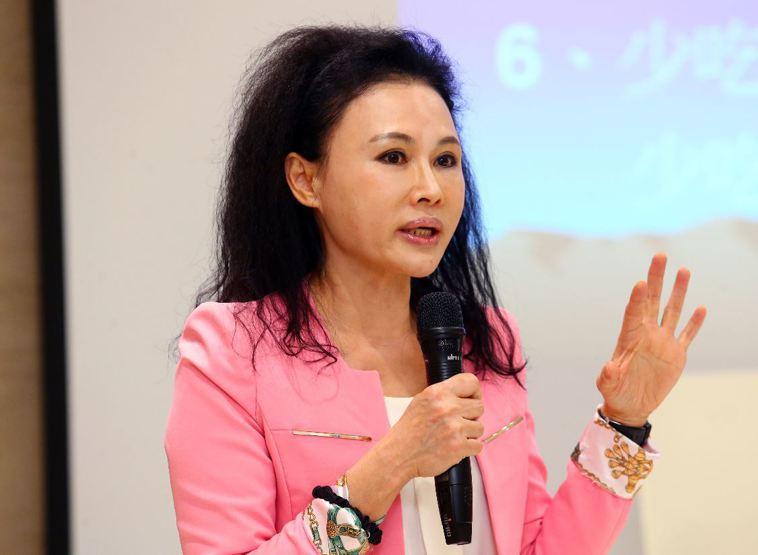已故俠醫林杰樑遺孀譚敦慈表示,大腸癌並不可怕,但必須早期治療、遵循醫囑,不尋求偏...