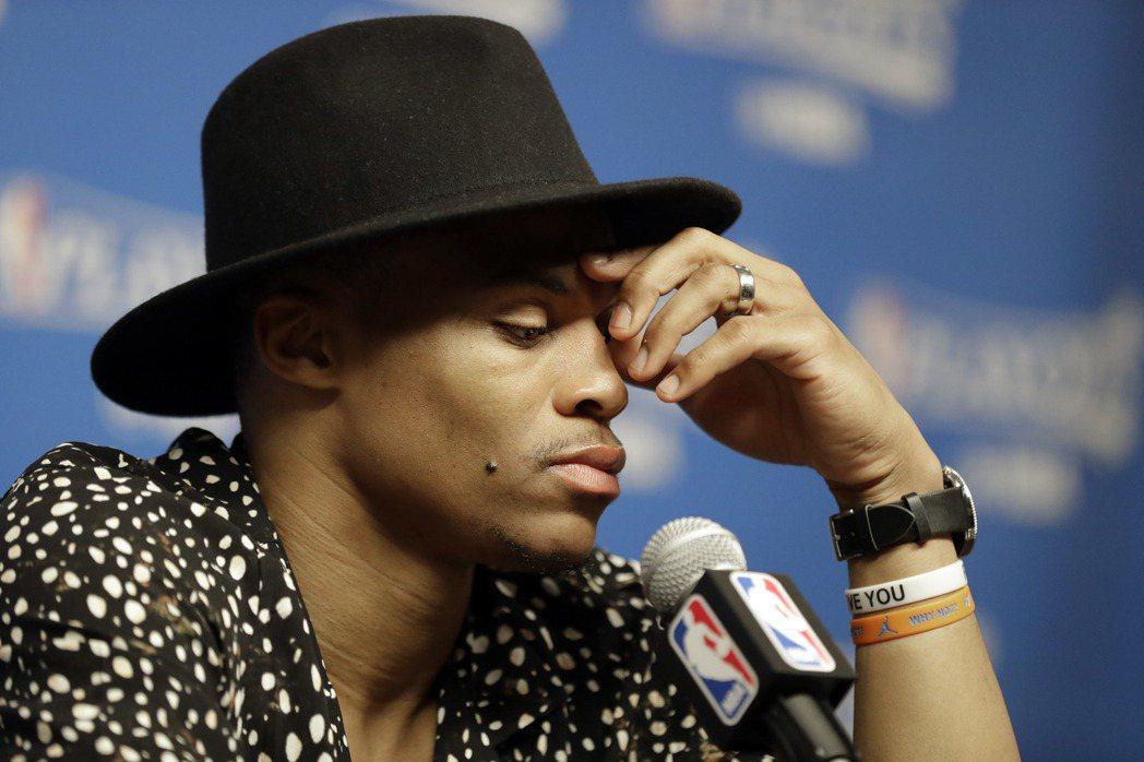 NBA/媽媽犧牲自己成就家人 衛少感性發文
