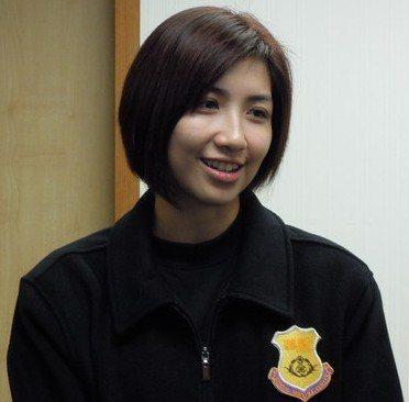 張嘉玲隸屬於警政署第一警官隊,外型激似郭雪芙。 圖/取自網路