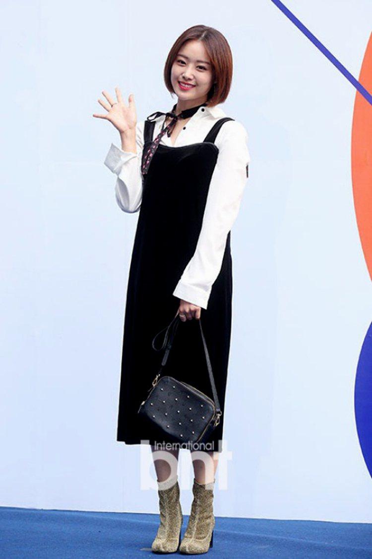 宋枝恩曾受邀參加韓國時裝周。圖/BNT提供
