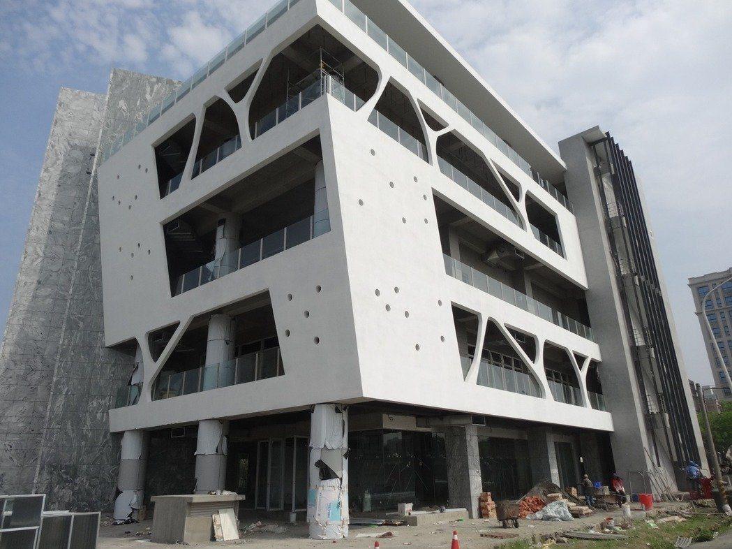台塑集團捐贈嘉義縣國內首座食安大樓硬體工程完工。