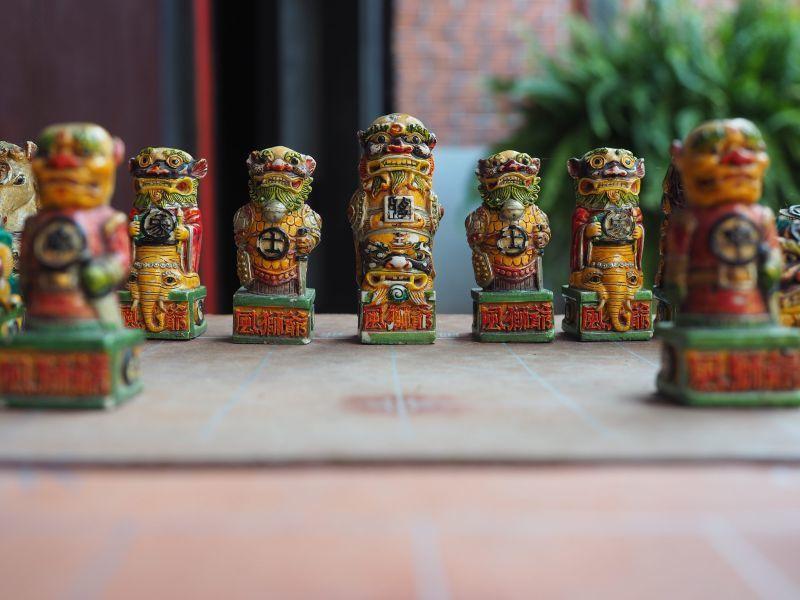 風獅爺造型的象棋,別有一番風味(攝影/黃郁仁)
