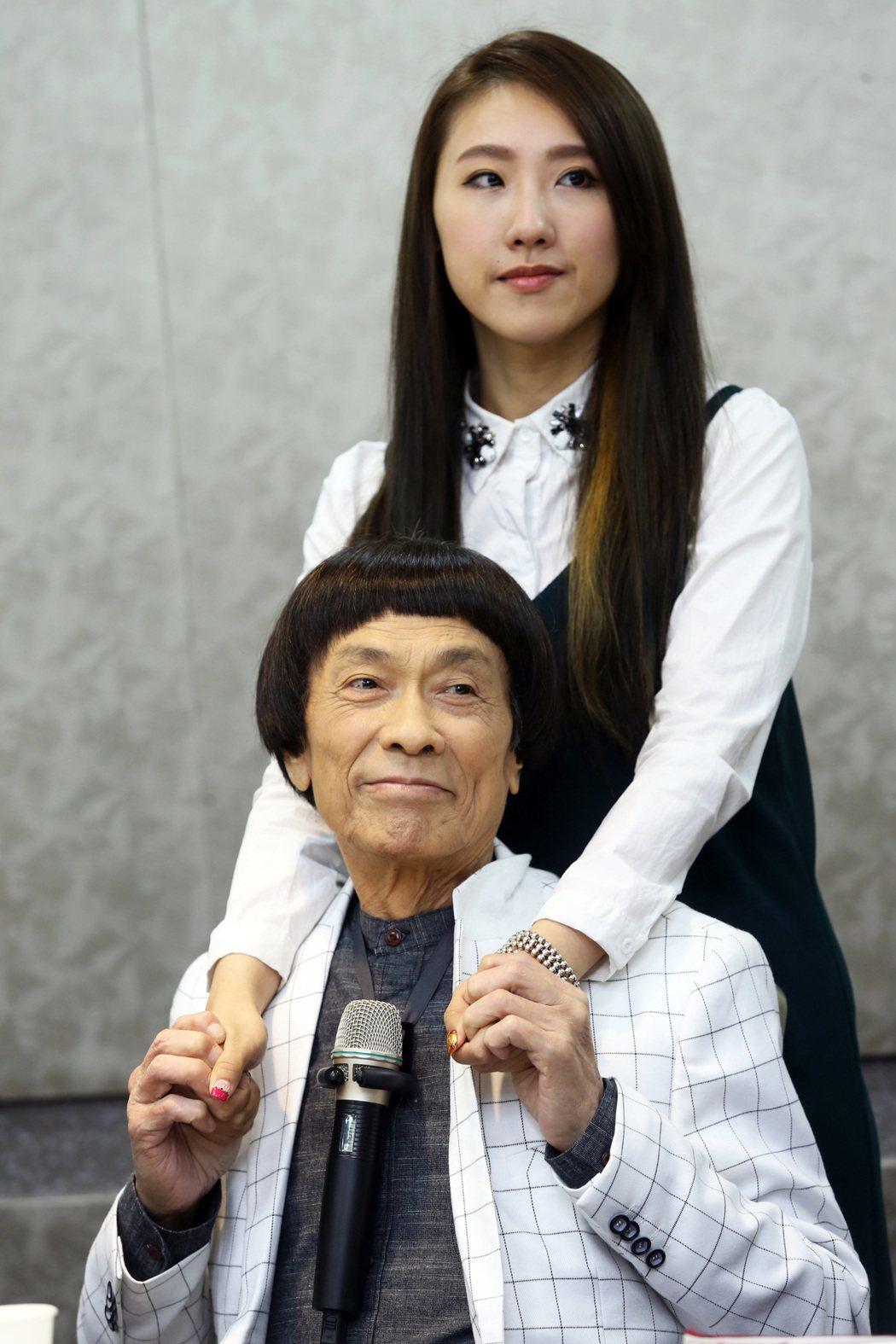 豬哥亮與女兒謝金晶。圖/本報資料照