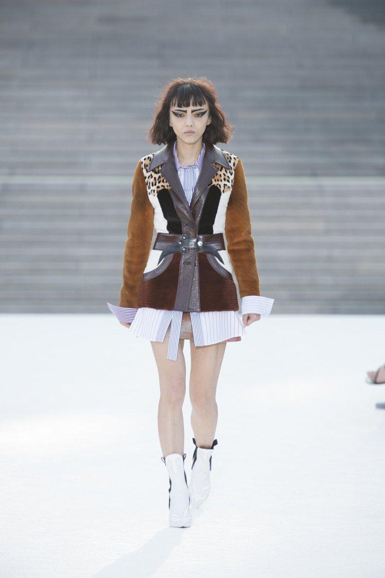 知名女演員福島蘿拉擔任開場模特兒。圖/LV提供