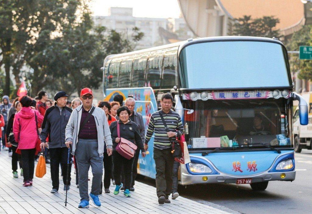 觀光局統計3月來台陸客減少16萬多人,跌幅逾4成。 本報系資料照