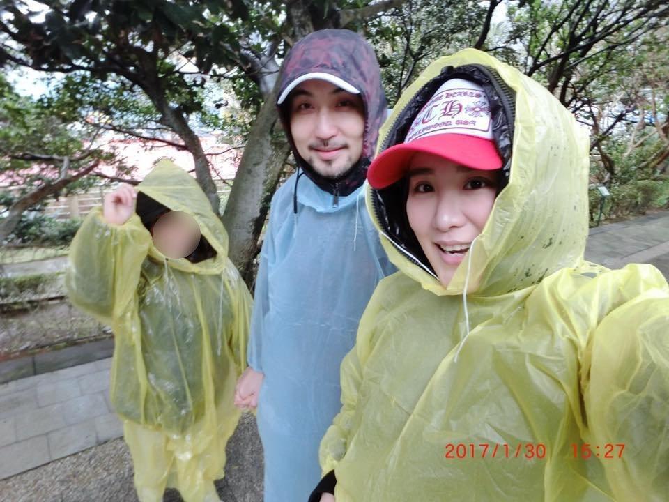 今年年初小禎與李進良帶著女兒一同出遊。 圖/擷自小禎臉書