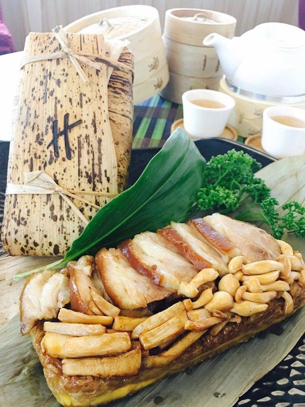 茶韻金彘一錠粽,外型如官銀錠,足重950克。 海灣-假日飯店/提供