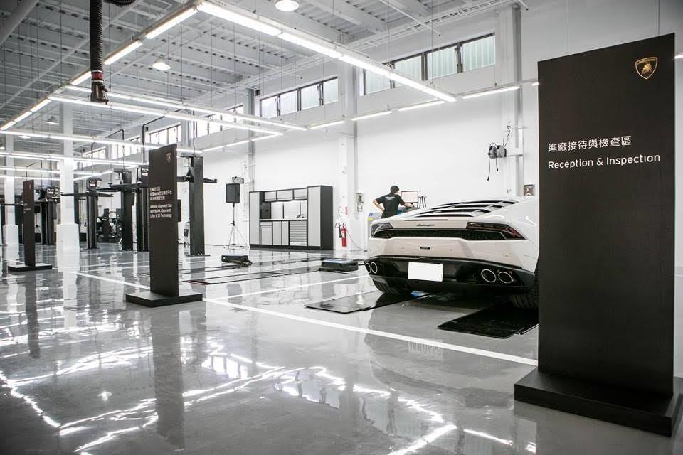 Lamborghini高雄服務中心的維修區相當完備。 Lamborghini提供