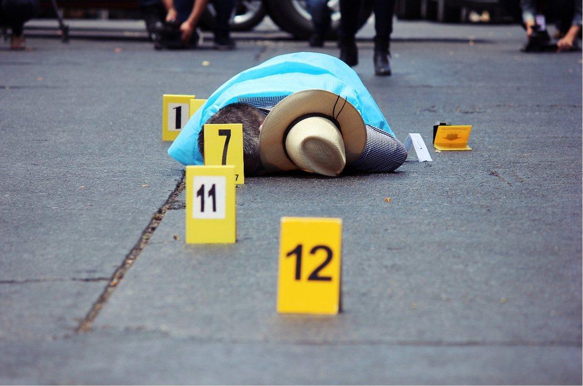 瓦爾迪茲的悲劇,發生在當地時間15日中午,當時瓦爾迪茲正駕車從報社離開,但才剛駛...