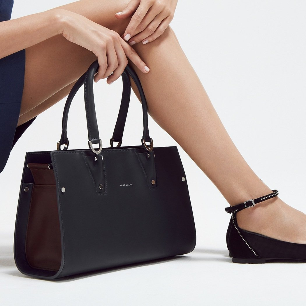 Paris Premier系列整體設計感簡約優雅。圖/Longchamp提供