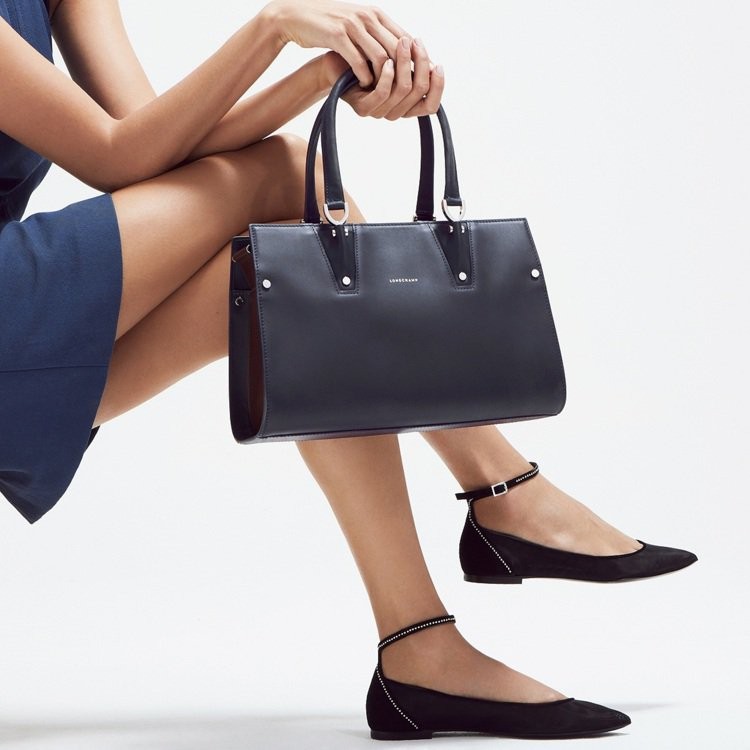 Paris Premier系列由法國工匠打造。圖/Longchamp提供