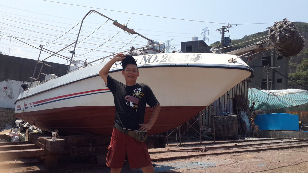 鄭平君喜歡潛水、海上運動,曾擁有兩艘船,沒事就出海潛水。圖/鄭平君提供