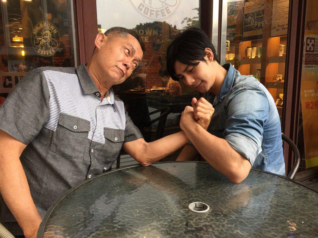 鄭平君、鄭凱父子合作過多部戲,戲裡關係很複雜。記者陳慧貞/攝影