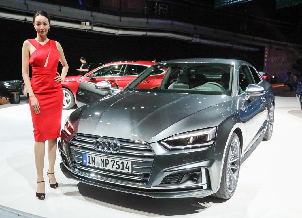 全新Audi A5以精練、簡約設計型塑Audi新世代風貌。 記者史榮恩/攝影