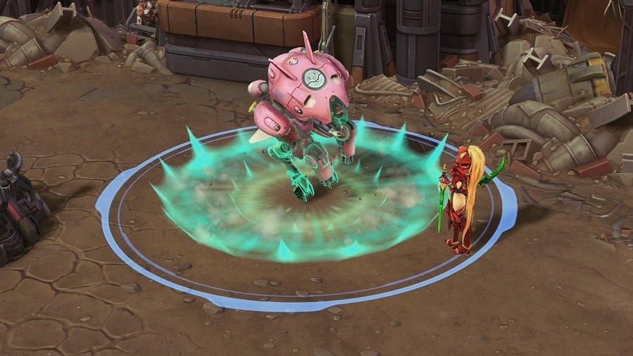 「兔子跳」能使D.Va機甲獲得控場免疫,能同時使敵人緩速並造成傷害。
