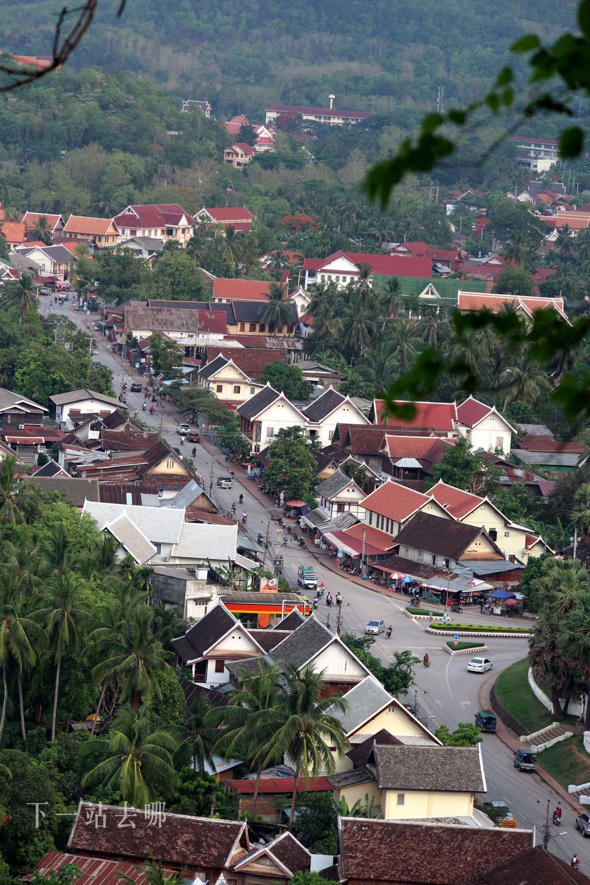 龍坡邦街景。