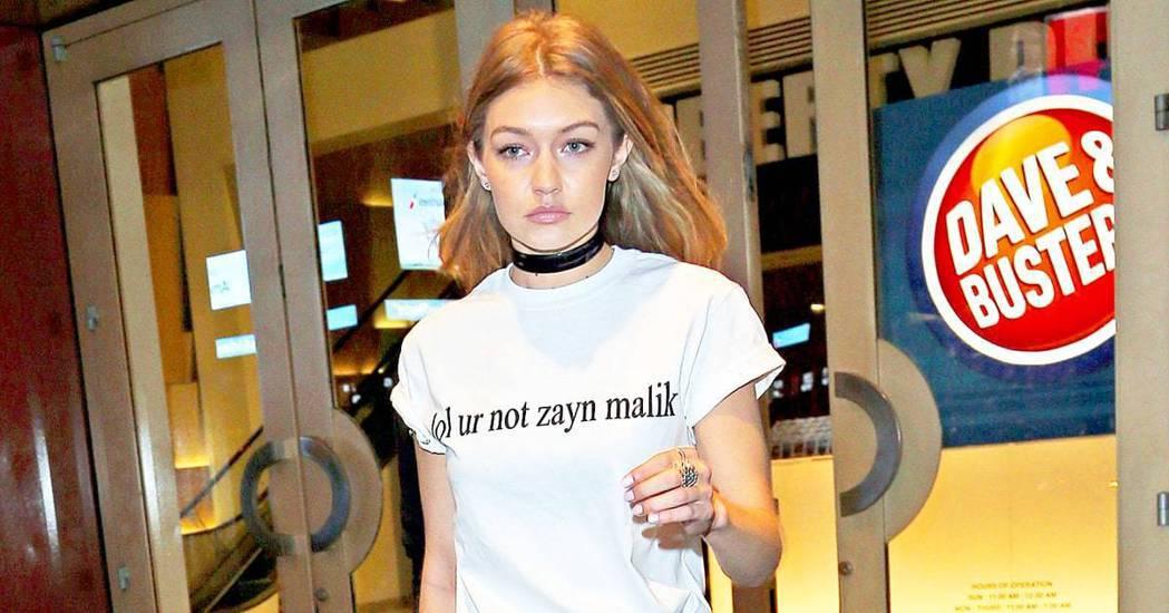 人氣名模Gigi Hadid就曾穿上「哈哈,你又不是贊恩 lol ur not ...