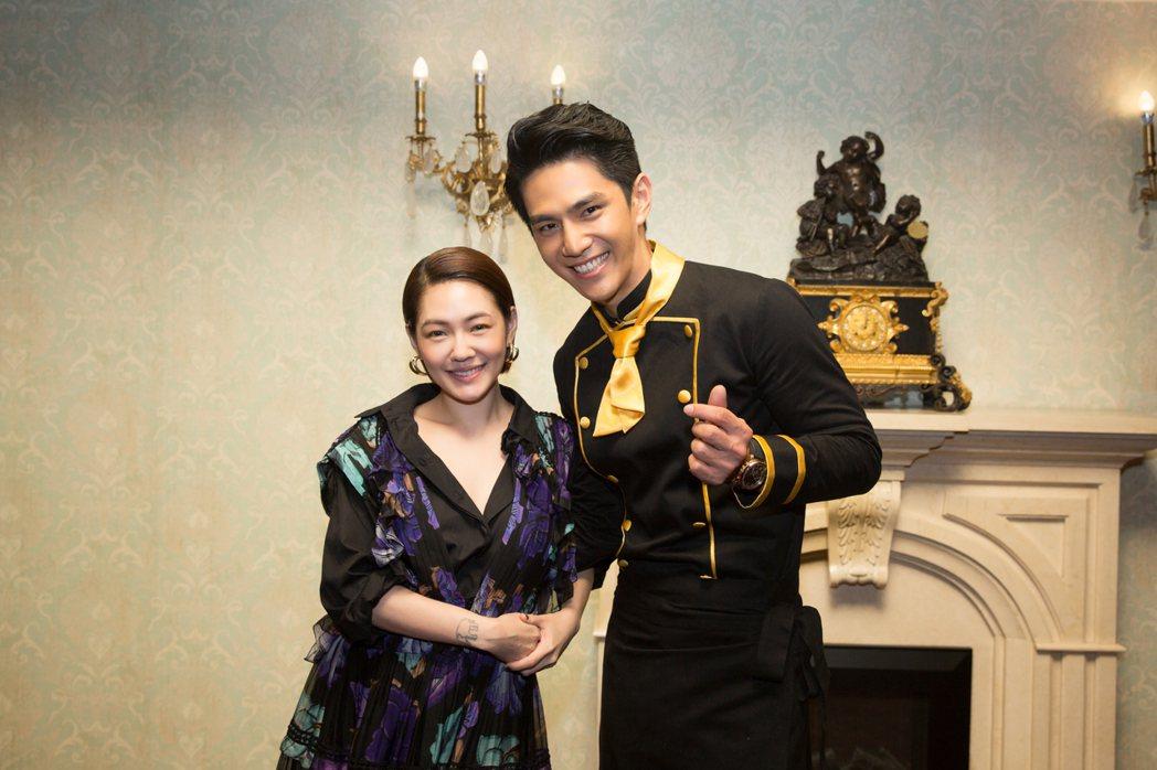 祖雄(右)加入小S主持的「姐姐好餓」。圖/果然娛樂提供