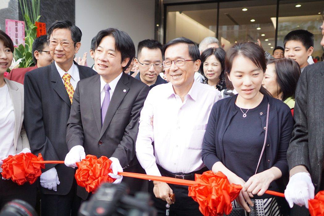 前總統陳水扁出席女兒診所開幕儀式,精神很好。 本報資料照片