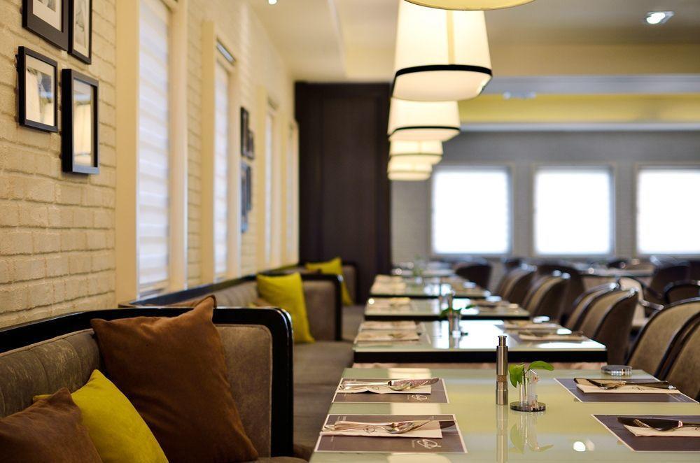 艾可柏菲自助料理-紐約上城風格的用餐環境,細心區隔用餐與取餐間,傳達新餐飲美...