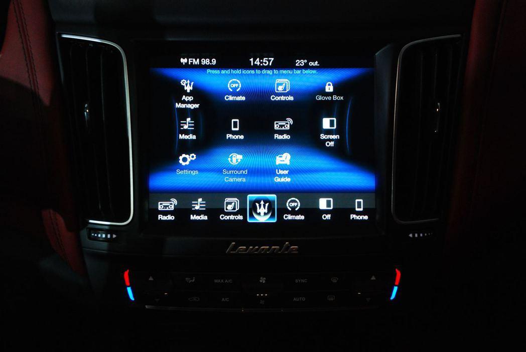 8.4吋Maserati Touch Control Plus整合資訊觸控螢幕。圖/記者林昱丞攝影