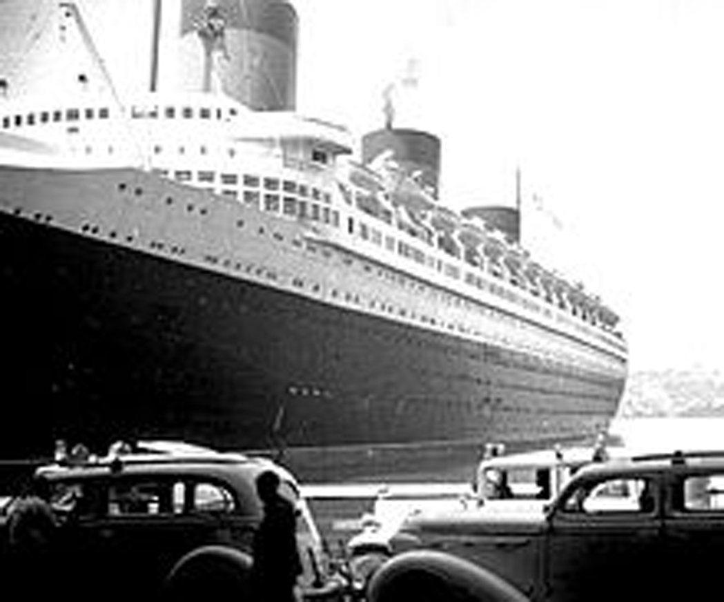 1935年誕生的遠洋郵輪諾曼底號(S.S. Normandie),長達1029呎...