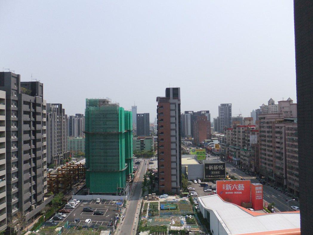 今年北台灣房市520檔推案量近1500億。本報資料照