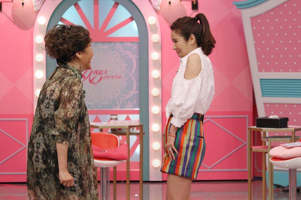 林心如(右)和藍心湄配合演出甩巴掌的橋段。圖/TVBS提供