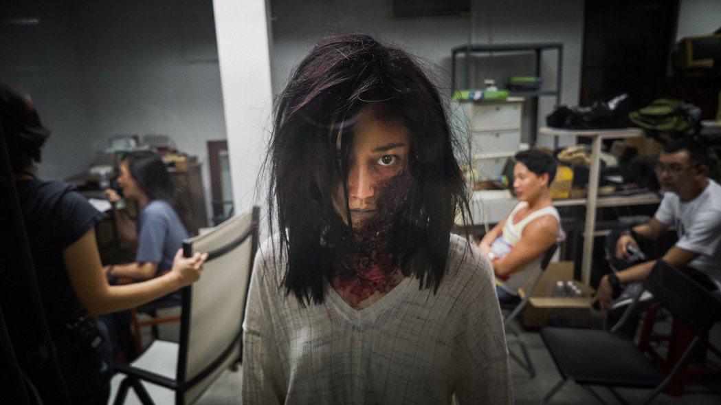 香港女星衛詩雅在「失眠」中犧牲扮醜超嚇人。圖/華映提供