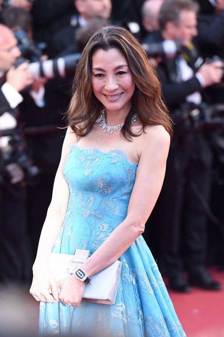 俐落剪裁展現楊紫瓊的好氣色與身段。圖/夏姿提供