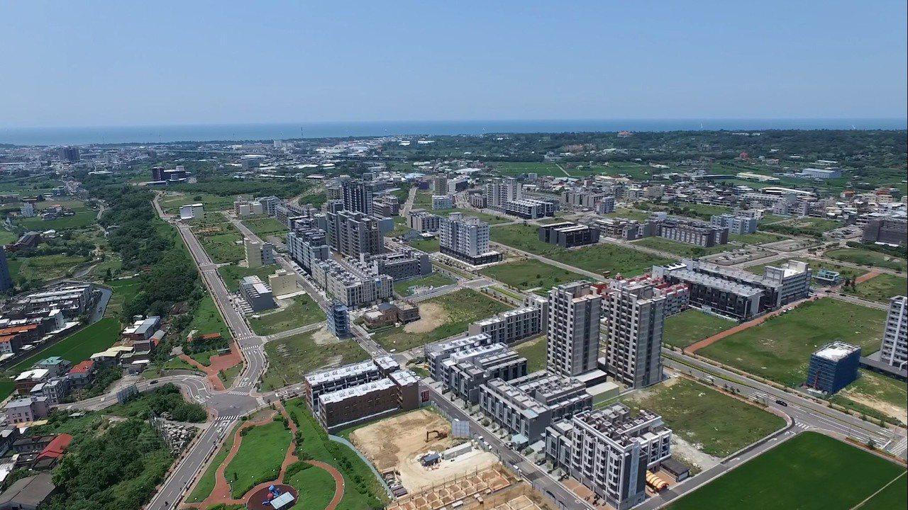 竹科竹南園區旁的大埔新市鎮空照圖。業者/提供