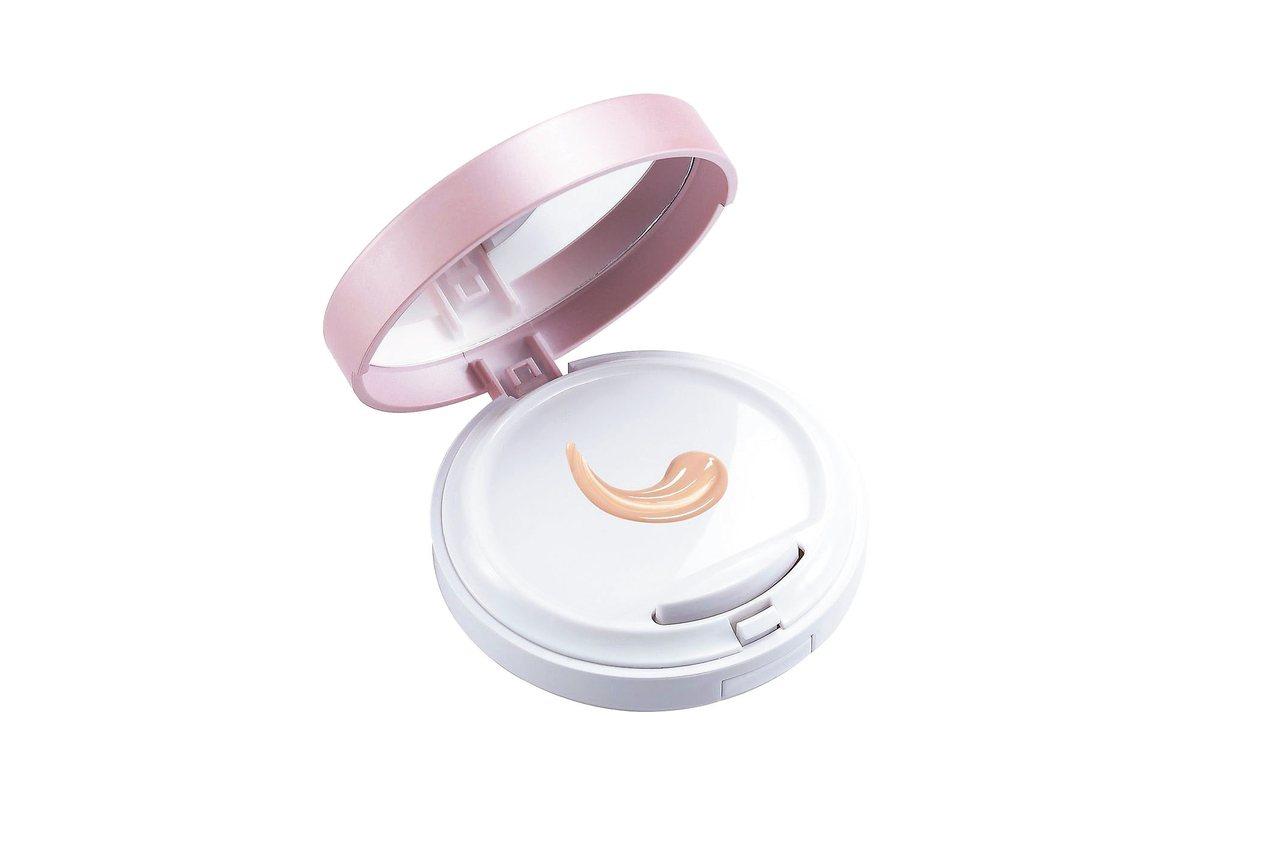新一代零油光晶漾持妝氣墊粉餅SPF40**(白皙/自然)(13g) /原價850元、特價645元。