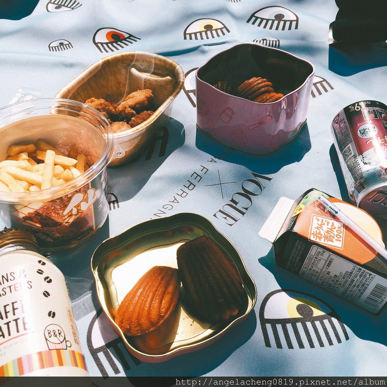 櫻花樹下的野餐。 圖/安琪拉