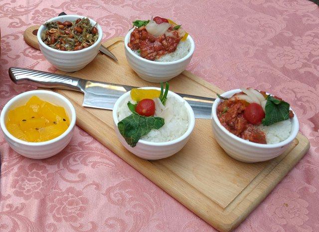 安東市場「馬師原創料理」的日式紅麴滷肉飯。