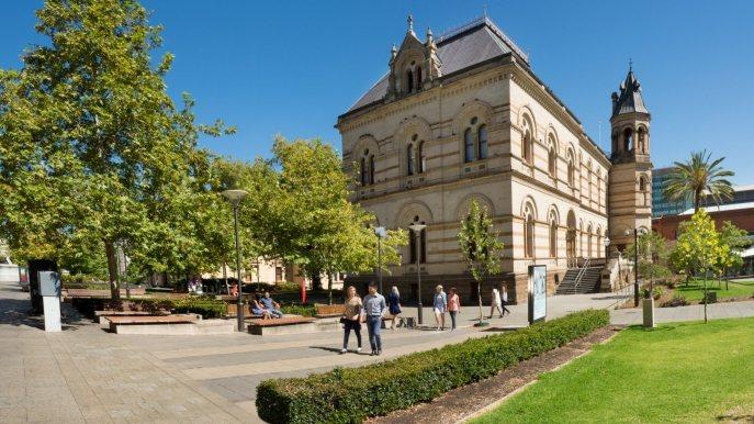・阿得雷德主要街道還保留18世紀移民時代的建築及商店。(圖/澳洲觀光局)