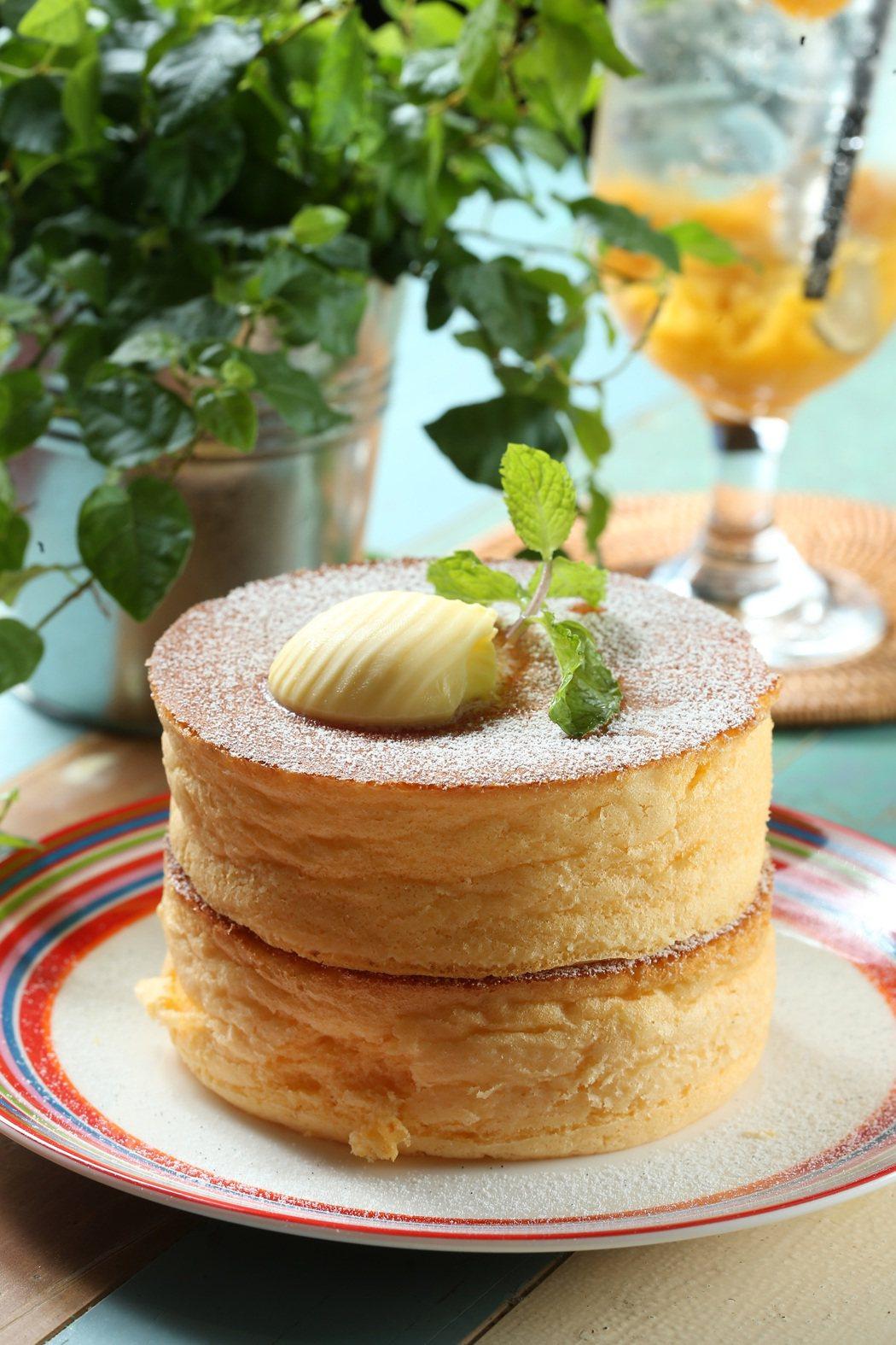 杏桃鬆餅屋 蘇芙蕾厚鬆餅。記者陳立凱/攝影