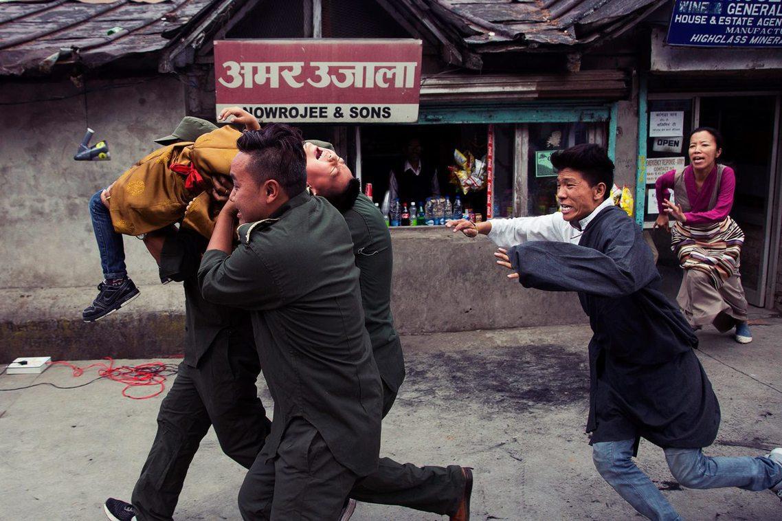 自從班禪「被消失」後,每年的5月17日,流亡的藏人社群都會為更登確吉尼瑪公開祈福...