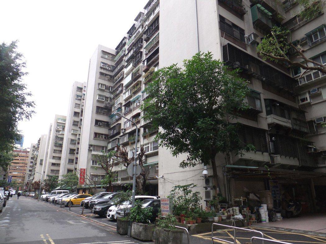 忠駝社區近二年房價下修13%。記者游智文/攝影