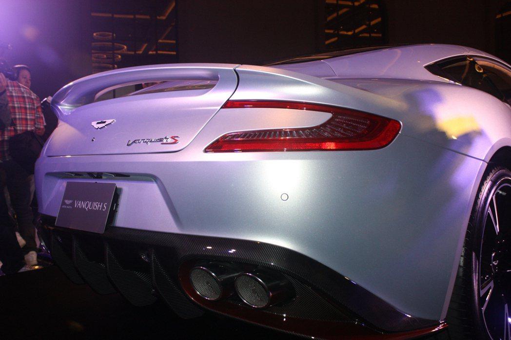 Aston Martin Vanquish S。記者林和謙/攝影