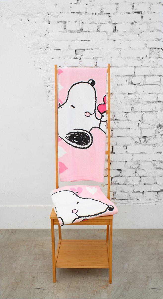 即日起至5/30推出SNOOPY友情滿滿浴巾。圖/康是美提供