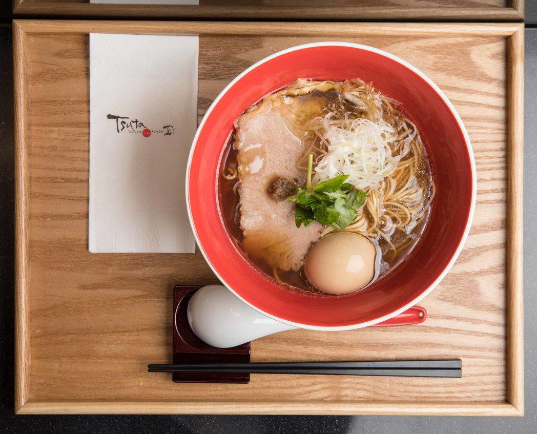 Tsuta蔦「招牌醬油拉麵」。
