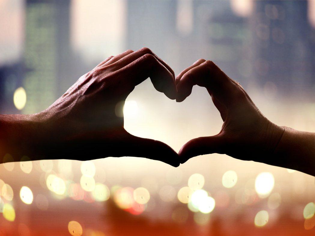 婚姻有7年之癢,戀愛則有3年之坎。圖/ingimage