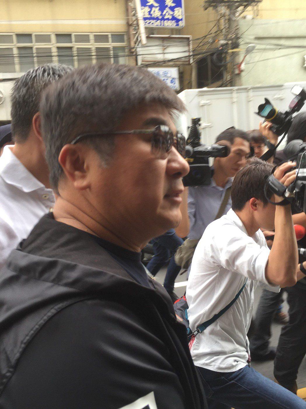 胡瓜快速前往豬哥亮靈堂致意即離開。記者蘇詠智/攝影